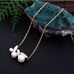 Jewelry - 💎Beautiful Fall Pearl Rhinestone Gold Necklace